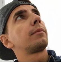 Таран Андрей (Санкт-Петербург) - Старший преподаватель кафедры хореографического искусства СПбГУП. Преподавать современной хореографии колледж
